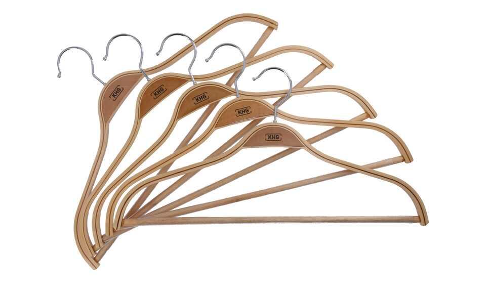 Kleiderbügel aus Holz mit Steg