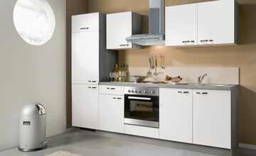 Küchenzeile mit Elektrogeräten  Brügge