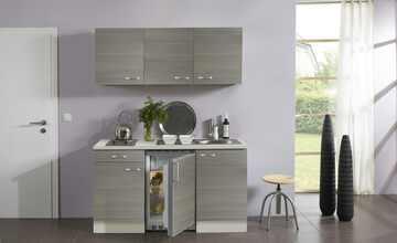 Singleküche mit Elektrogeräten  Verona